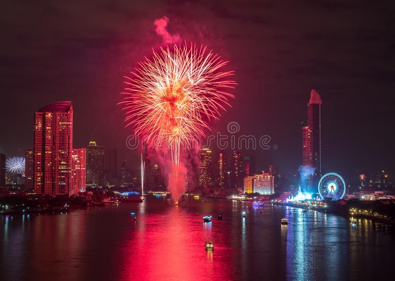 Νέα πυροτεχνήματα έτους στη Μπανγκόκ, Ταϊλάνδη στοκ εικόνες με δικαίωμα ελεύθερης χρήσης