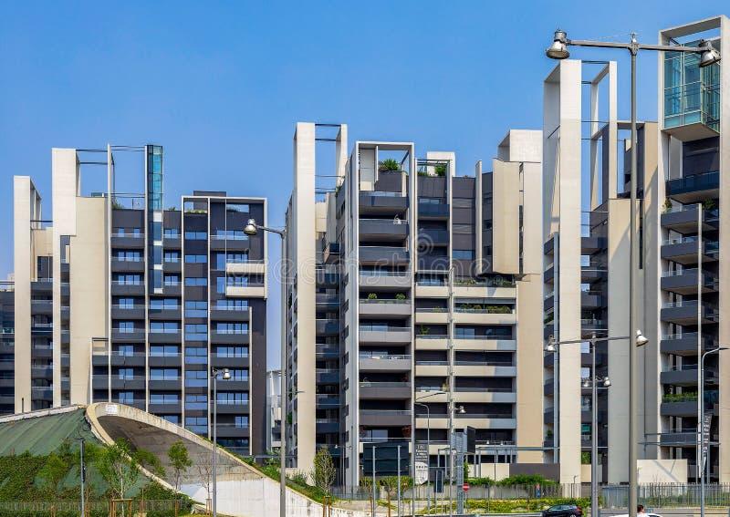 Νέα σύγχρονα κτήρια στην περιοχή Portello, Μιλάνο, Ιταλία στοκ φωτογραφίες με δικαίωμα ελεύθερης χρήσης