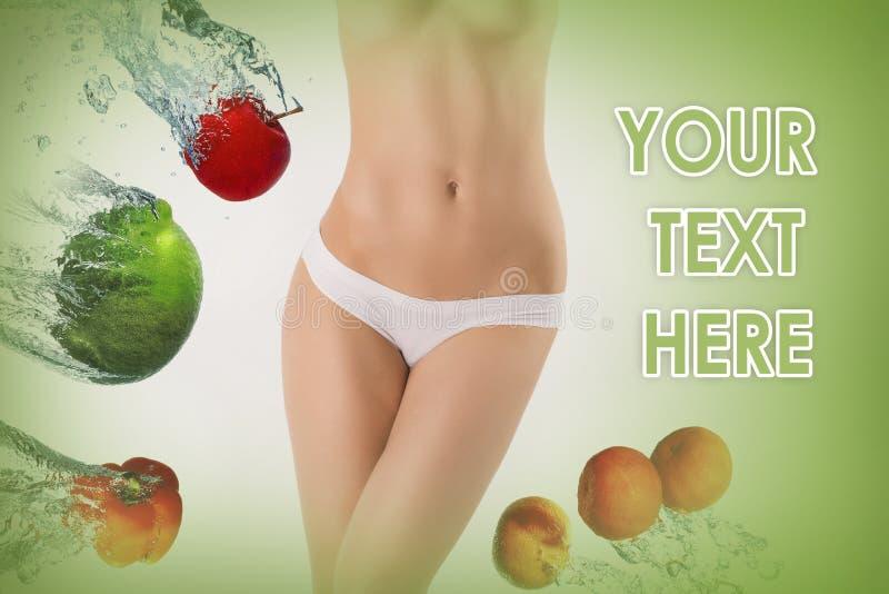 Νέα υγιής γυναίκα με τα φρούτα κολάζ στοκ εικόνες