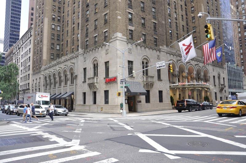 Νέα Υόρκη, στις 2 Ιουλίου: Ξενοδοχείο Marriott στο της περιφέρειας του κέντρου Μανχάταν από πόλη της Νέας Υόρκης στις Ηνωμένες Πο στοκ εικόνα