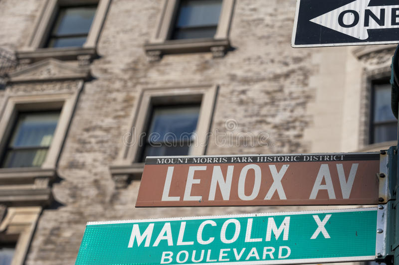 Νέα Υόρκη Malcolm Χ σημάδι οδών λεωφόρων Lenox λεωφόρων στοκ φωτογραφίες με δικαίωμα ελεύθερης χρήσης