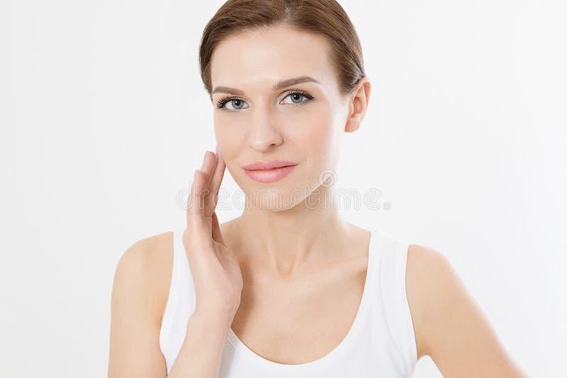 Νέα όμορφη γυναίκα με τις ιδιαίτερες προσοχές σχετικά με το καθαρό φρέσκο δέρμα προσώπου Αντι έννοια γήρανσης Του προσώπου επεξερ στοκ φωτογραφία με δικαίωμα ελεύθερης χρήσης