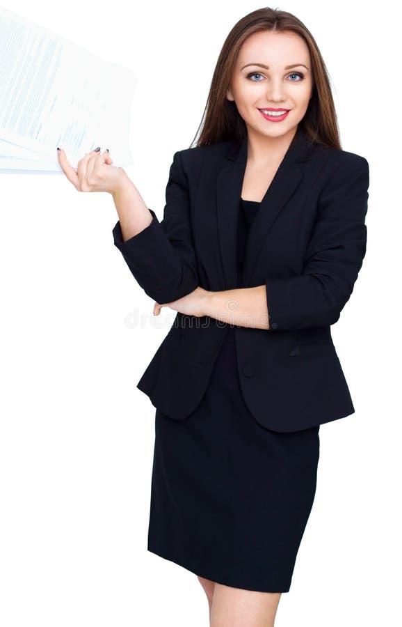 Νέες σελίδες λαβής γυναικών του εγγράφου που απομονώνονται πέρα από το λευκό στοκ εικόνα με δικαίωμα ελεύθερης χρήσης