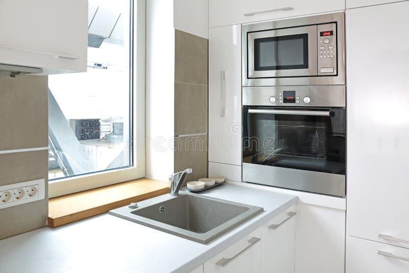 Νέες συσκευές κουζινών στοκ φωτογραφίες με δικαίωμα ελεύθερης χρήσης