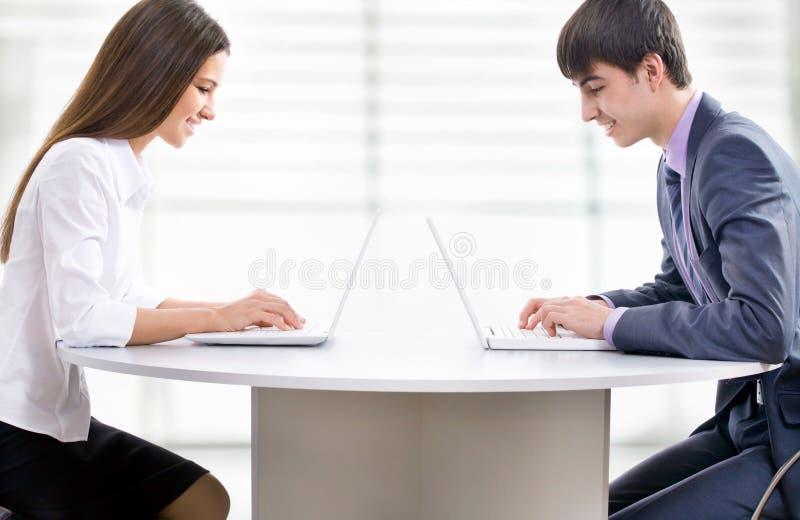 Νέοι επιχειρηματίες στοκ εικόνες