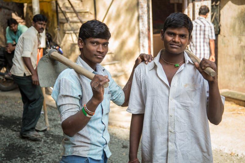 Νέοι ινδικοί εργαζόμενοι στοκ εικόνα