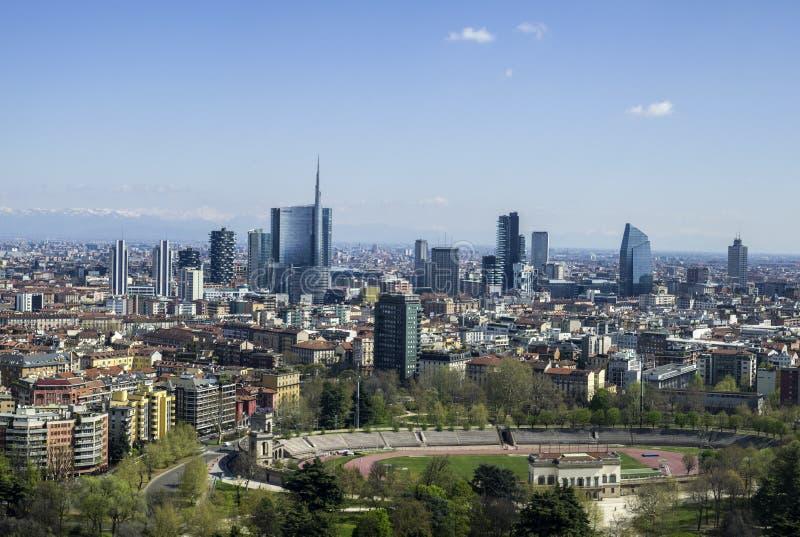 νέοι ουρανοξύστες πανορά& στοκ εικόνες