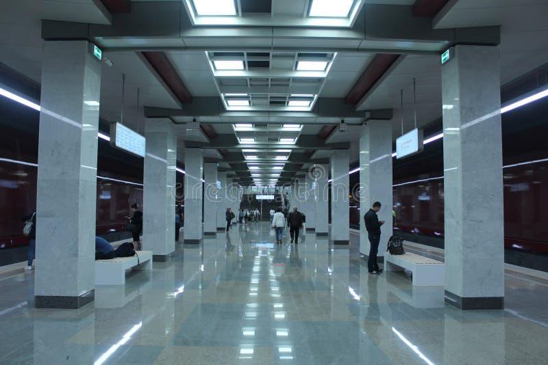 Νέοι σταθμοί της κόκκινης γραμμής του μετρό της Μόσχας Σταθμός Kommunarka στοκ εικόνες με δικαίωμα ελεύθερης χρήσης