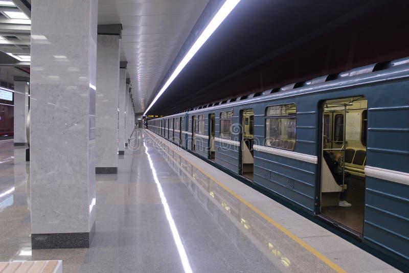 Νέοι σταθμοί της κόκκινης γραμμής του μετρό της Μόσχας Σταθμός Kommunarka στοκ φωτογραφία με δικαίωμα ελεύθερης χρήσης