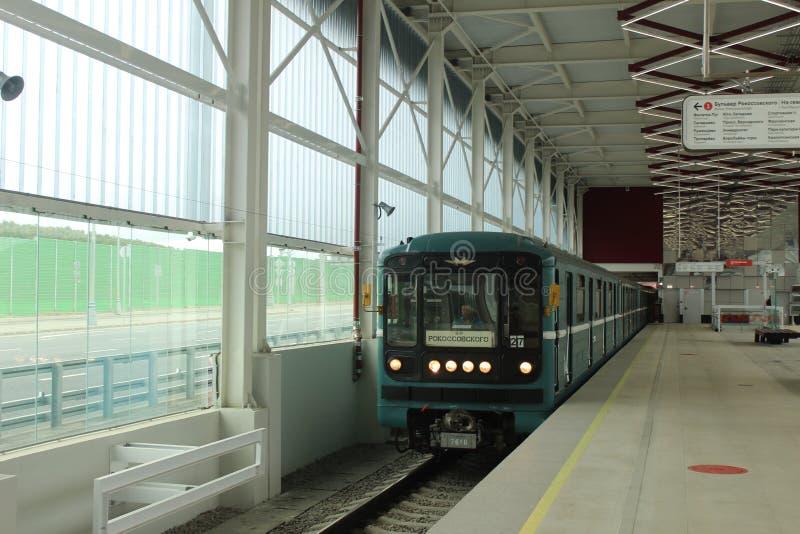 Νέοι σταθμοί της κόκκινης γραμμής του μετρό της Μόσχας Σταθμός Prokshino στοκ φωτογραφία