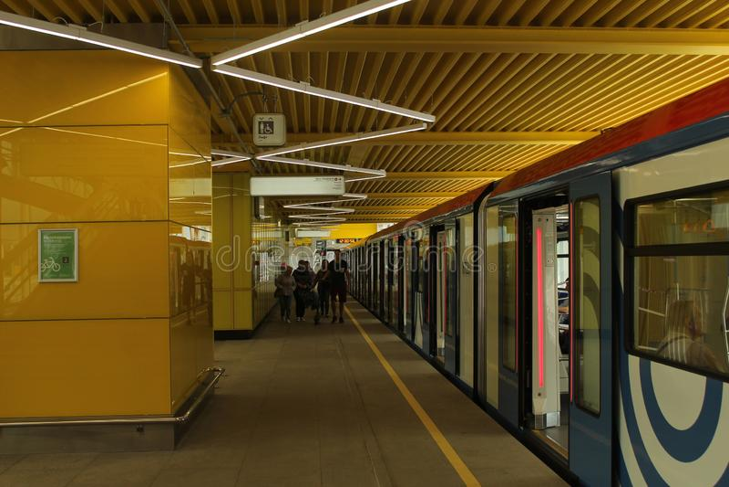 Νέοι σταθμοί της κόκκινης γραμμής του μετρό της Μόσχας Lug Filatov σταθμός στοκ φωτογραφίες