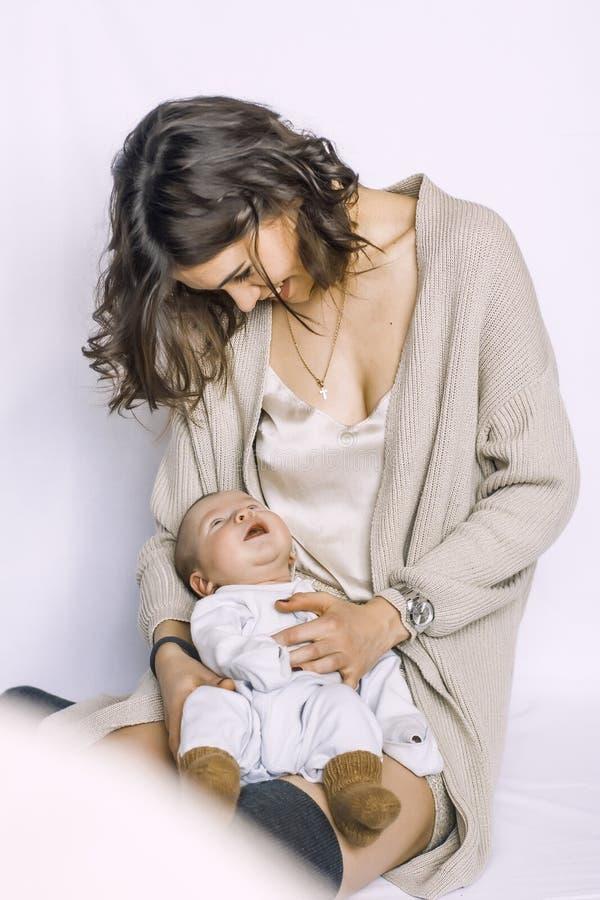 Νέος - γεννημένος ύπνος αγοράκι στοκ φωτογραφία με δικαίωμα ελεύθερης χρήσης