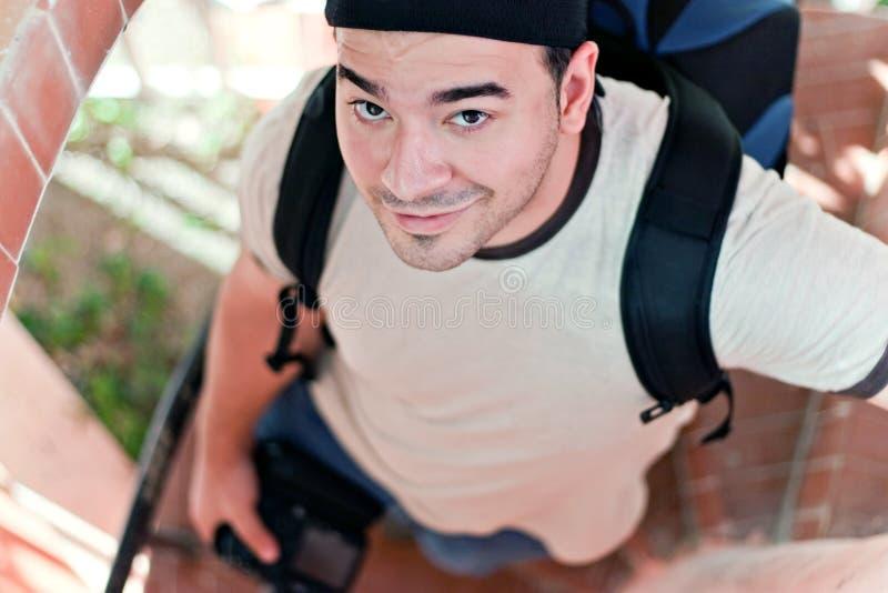 Νέος διακινούμενος φωτογράφος στοκ φωτογραφίες