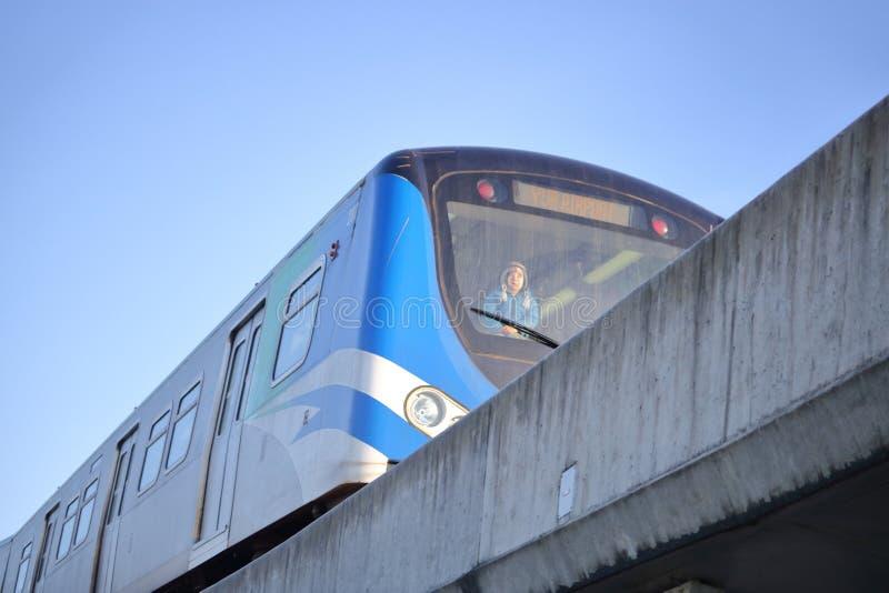 Νέος επιβάτης σε Skytrain στοκ φωτογραφίες με δικαίωμα ελεύθερης χρήσης