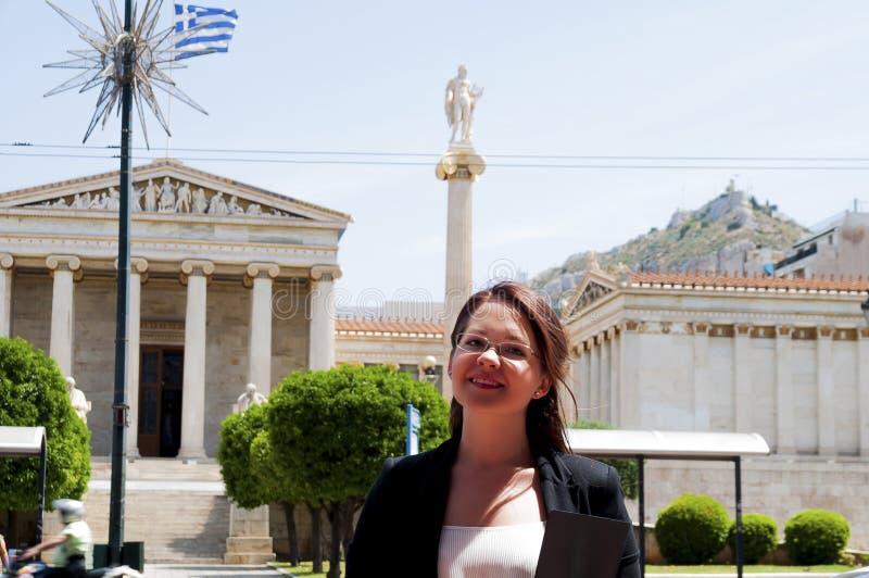 Νέος και όμορφος επιχειρηματίας γυναικών στοκ φωτογραφία με δικαίωμα ελεύθερης χρήσης