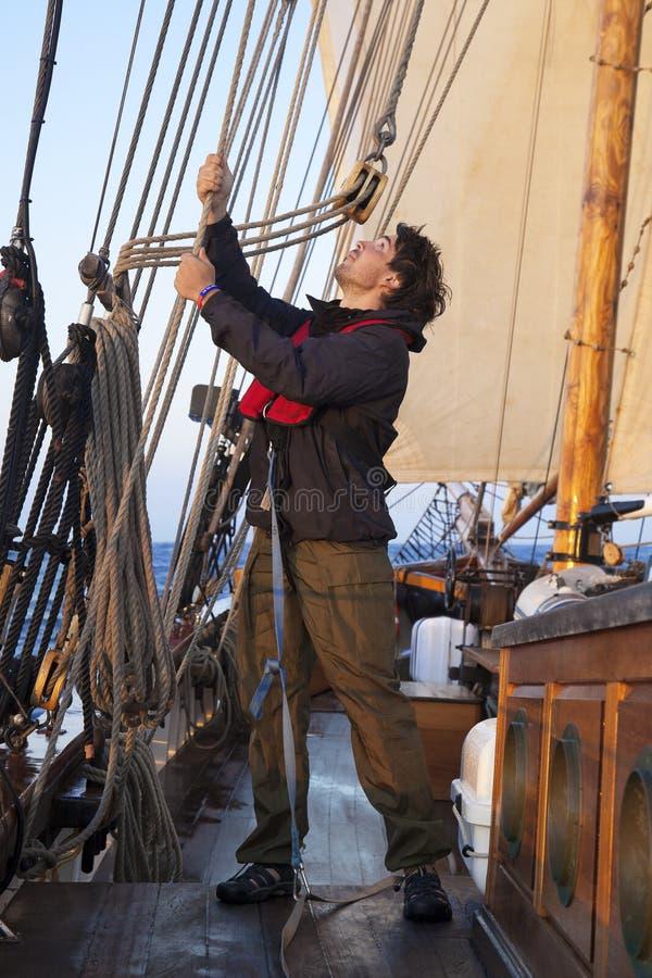 Νέος ναυτικός στην εργασία στοκ φωτογραφία με δικαίωμα ελεύθερης χρήσης