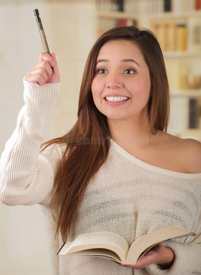Νέος σπουδαστής γυναικών που παίρνει ansioux στοκ εικόνες με δικαίωμα ελεύθερης χρήσης