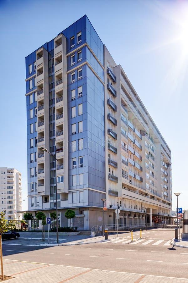 Νέος σύνθετος των κατοικημένων κτηρίων στοκ εικόνες