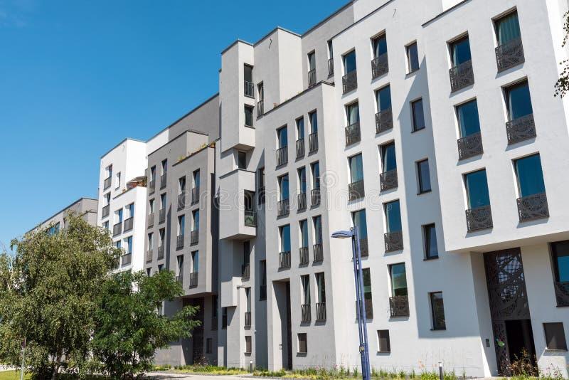 Νέος φραγμός των διαμερισμάτων στο Βερολίνο στοκ φωτογραφία με δικαίωμα ελεύθερης χρήσης