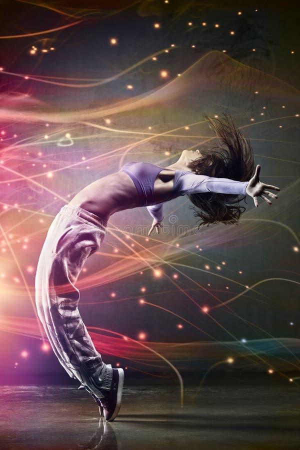 Νέος χορευτής γυναικών στοκ φωτογραφίες