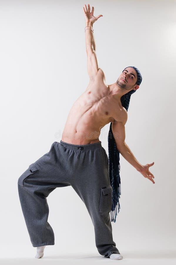 Νέος όμορφος χορευτής στην κίνηση στοκ εικόνες με δικαίωμα ελεύθερης χρήσης