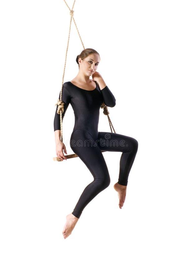Νέος gymnast γυναικών στο σχοινί στοκ εικόνες