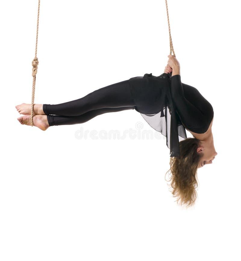 Νέος gymnast γυναικών στο σχοινί στοκ φωτογραφίες με δικαίωμα ελεύθερης χρήσης