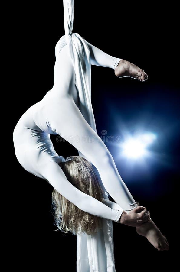 Νέος gymnast γυναικών στοκ φωτογραφία με δικαίωμα ελεύθερης χρήσης