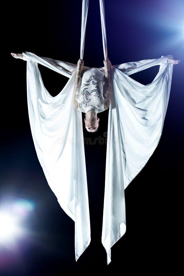 Νέος gymnast γυναικών στοκ εικόνα