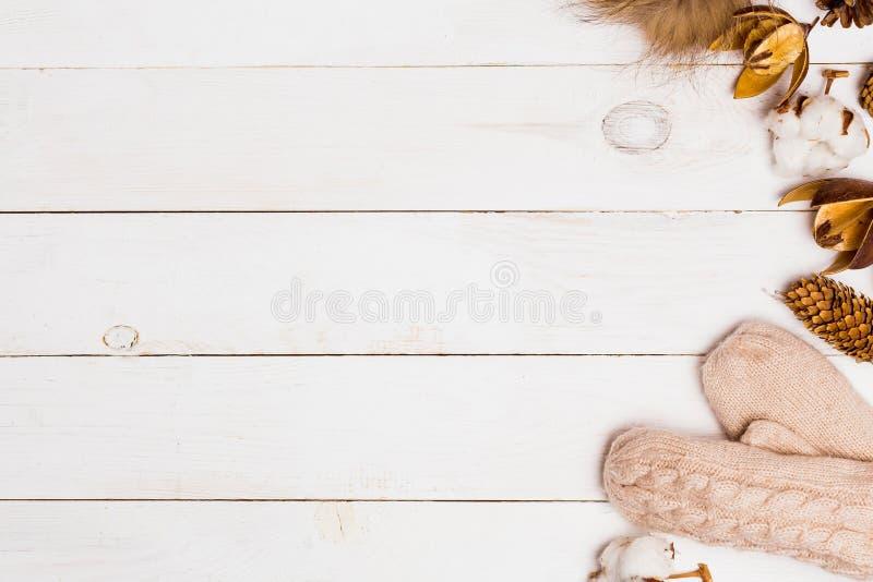 Νέο άσπρο ξύλινο υπόβαθρο έτους για το διάστημα αντιγράφων στοκ εικόνα