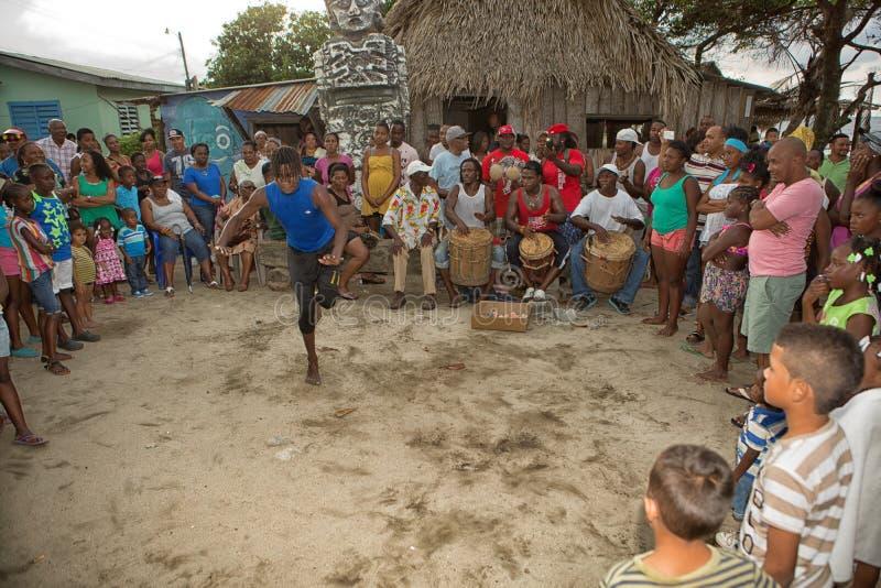 Νέο άτομο garifuna που χορεύει στην Ονδούρα στοκ φωτογραφία με δικαίωμα ελεύθερης χρήσης