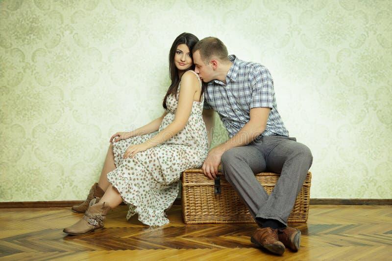 Έγκυο ζεύγος στοκ φωτογραφίες με δικαίωμα ελεύθερης χρήσης