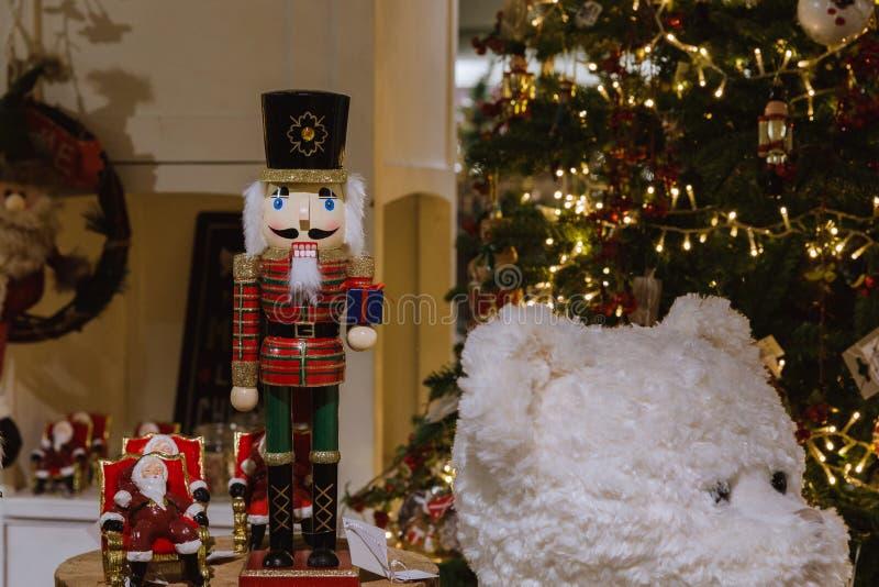 Νέο έτος, διακοσμήσεις Χριστουγέννων στο κατάστημα Νέο έτος 2019 στοκ εικόνες