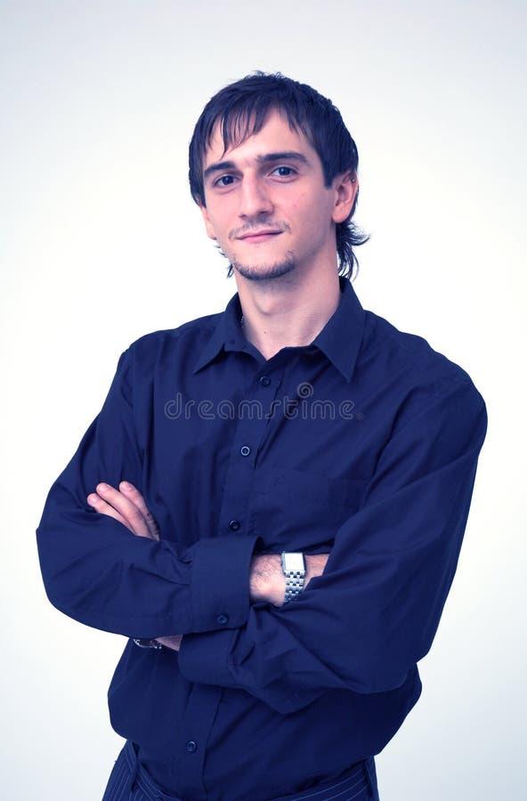Νέο αγόρι με το μαύρο πουκάμισο Δωρεάν Στοκ Εικόνα