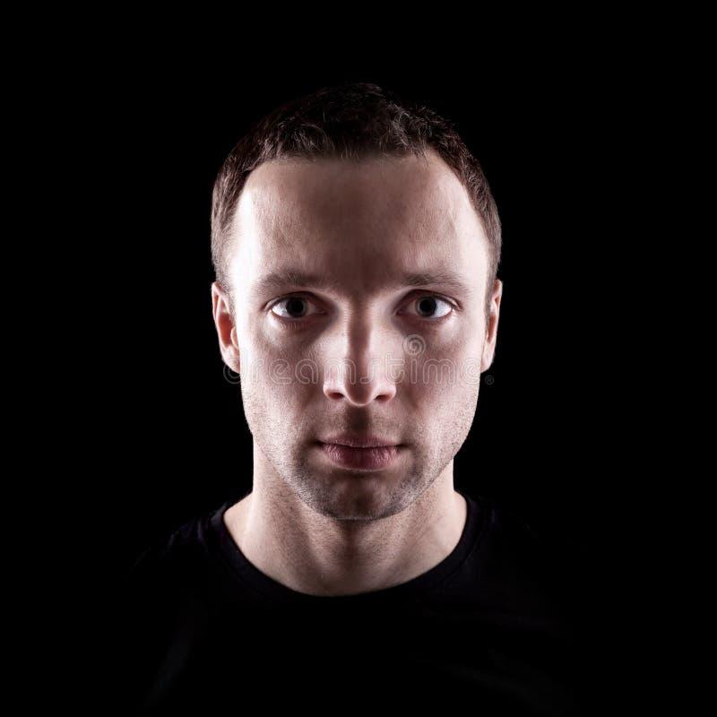 Νέο ανθρώπινο πορτρέτο στο Μαύρο στοκ φωτογραφία με δικαίωμα ελεύθερης χρήσης