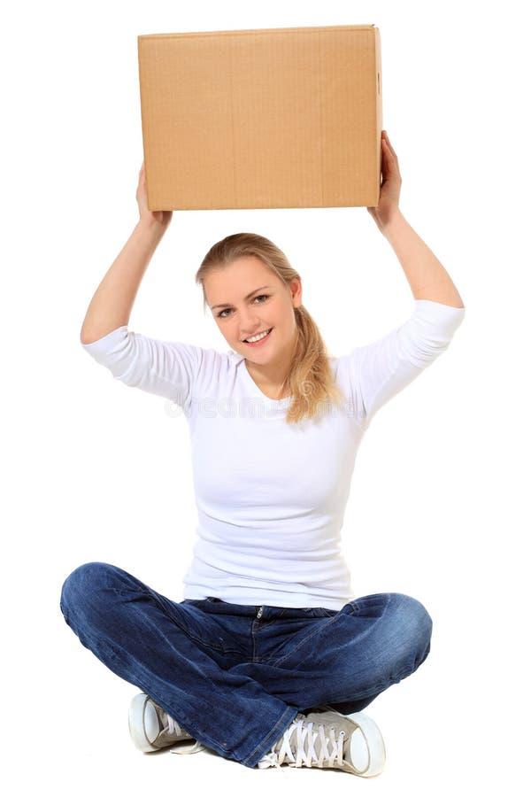 Νέο ανυψωτικό κινούμενο κιβώτιο γυναικών στοκ φωτογραφία με δικαίωμα ελεύθερης χρήσης