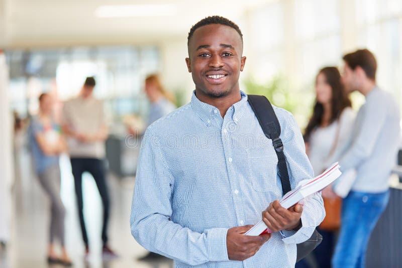 Νέο αφρικανικό κολλέγιο studentin στοκ φωτογραφίες