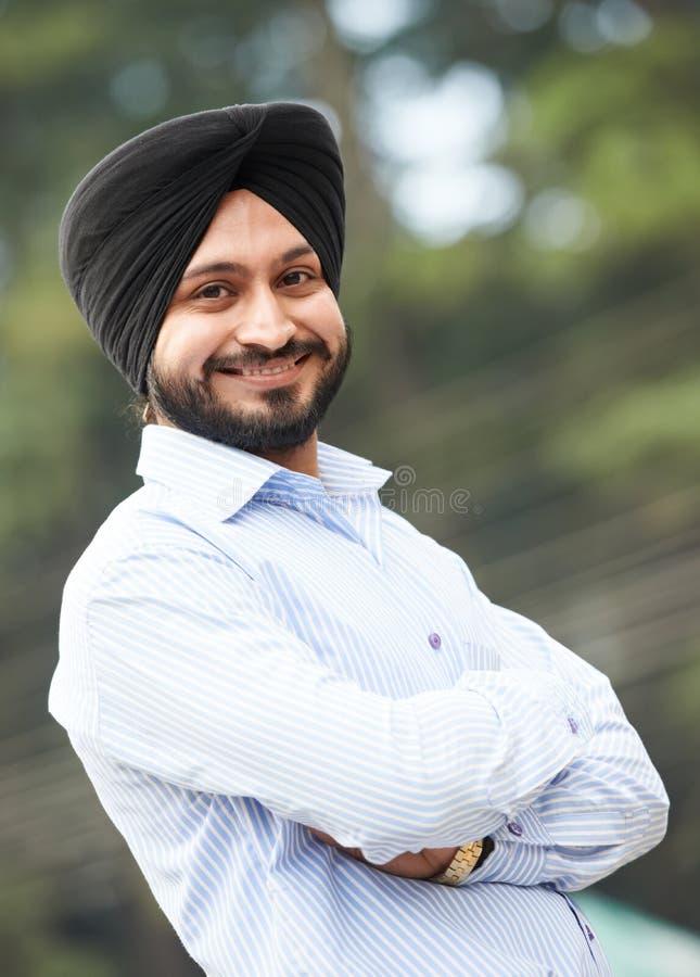 Νέο ενήλικο ινδικό σιχ άτομο στοκ εικόνες με δικαίωμα ελεύθερης χρήσης