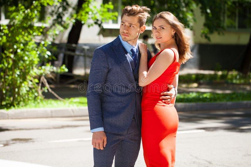 Νέο ζεύγος ή Ευρωπαίοι γυναίκα και άνδρας στοκ εικόνα με δικαίωμα ελεύθερης χρήσης
