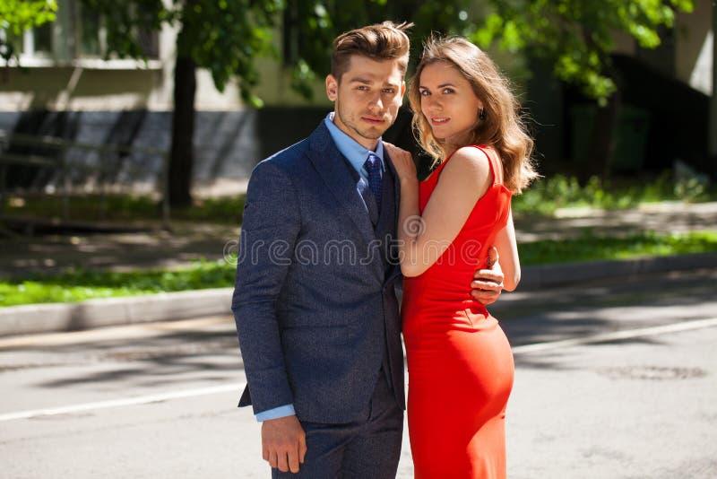 Νέο ζεύγος ή Ευρωπαίοι γυναίκα και άνδρας στοκ εικόνες με δικαίωμα ελεύθερης χρήσης