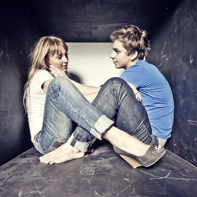 Νέο ζεύγος Atrractive ερωτευμένο στοκ φωτογραφίες