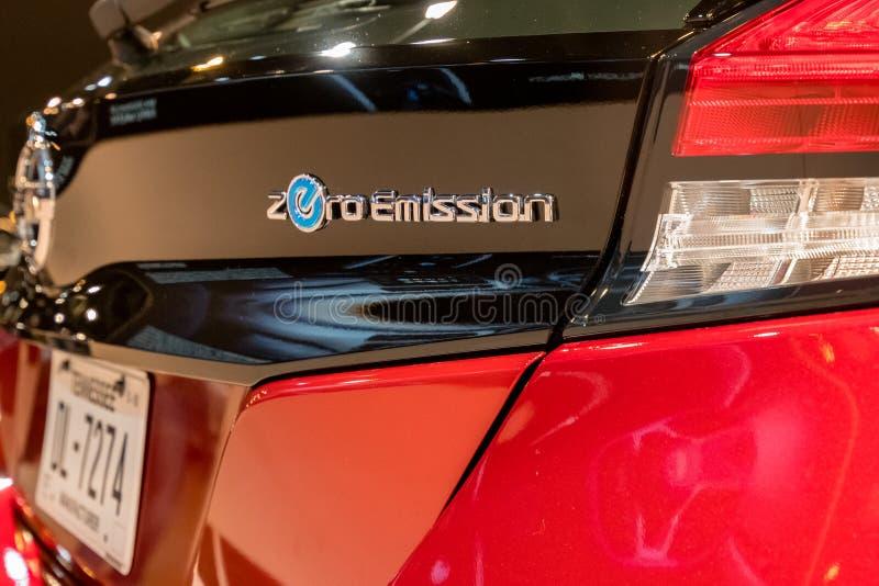Νέο ηλεκτρικό αυτοκίνητο ΦΥΛΛΩΝ της Nissan του 2018 στοκ φωτογραφία