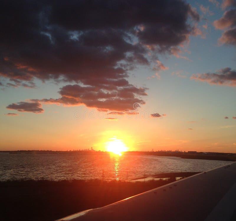 νέο ηλιοβασίλεμα Υόρκη στοκ εικόνα με δικαίωμα ελεύθερης χρήσης