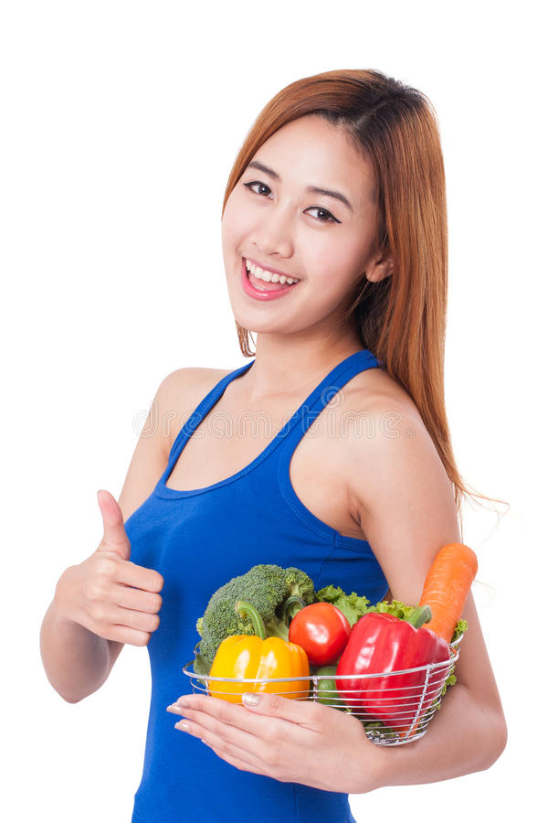 Νέο καλάθι εκμετάλλευσης γυναικών των λαχανικών στοκ φωτογραφία με δικαίωμα ελεύθερης χρήσης