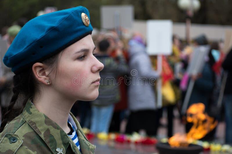 Νέο κορίτσι μαθητών στρατιωτικής σχολής στοκ φωτογραφίες με δικαίωμα ελεύθερης χρήσης