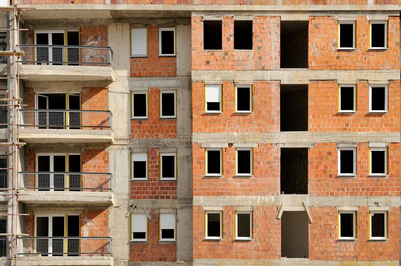 Νέο κτήριο κάτω από την οικοδόμηση στοκ φωτογραφία