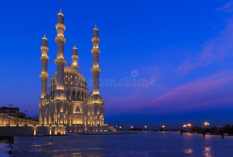 Νέο μουσουλμανικό τέμενος στο Μπακού στοκ εικόνα με δικαίωμα ελεύθερης χρήσης