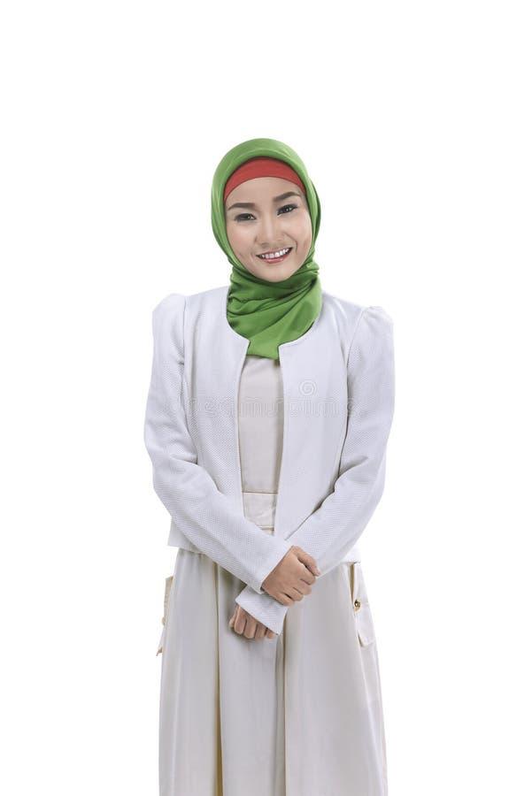 Νέο μουσουλμανικό χαμόγελο γυναικών στοκ φωτογραφία