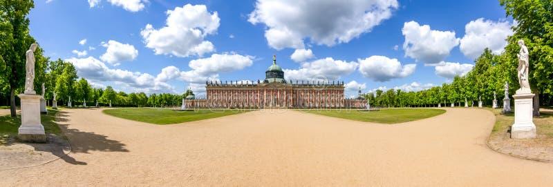 Νέο παλάτι Neues Palais στο πάρκο Sanssouci στο Πότσνταμ, Γερμανία στοκ φωτογραφίες με δικαίωμα ελεύθερης χρήσης
