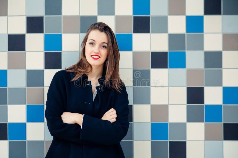 Νέο πορτρέτο επιχειρησιακών γυναικών ή σπουδαστών στοκ φωτογραφίες με δικαίωμα ελεύθερης χρήσης